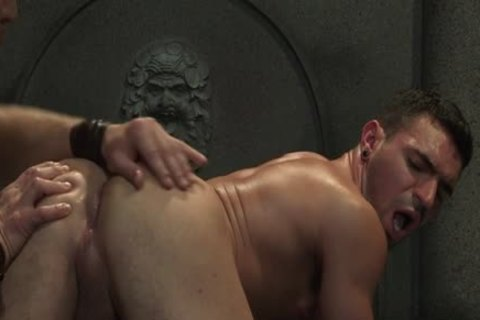 Muscle Bear oral enjoyment With Facial sperm