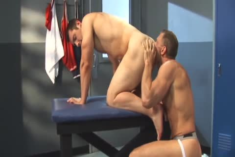 David Dakota Rides Chris Thomas - ramrod Tease